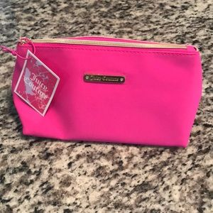 NWT💕JC 💕Juicy Couture 💕Make Up Travel Pink Bag